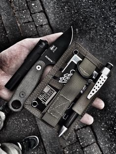 Huckberry, your destination for handpicked EDC Everyday Carry Prepper Survival Gear. Global Knife Set, Edc Tactical, Tactical Knives, Edc Gadgets, Everyday Carry Gear, Velcro Patches, Survival Gear, Urban Survival, Survival Items