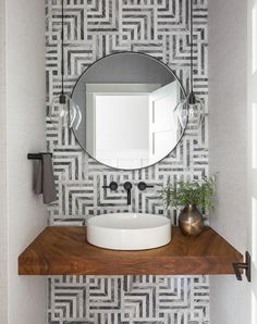 59 Phenomenal Powder Room Ideas & Half Bath Designs You've come to the right spot if you are looking for inspirational powder room ideas or half bath designs. No matter the size or square footage of a home, adding a powder room or a half bath is always… Powder Room Decor, Powder Room Design, Design Room, Bath Design, Powder Room Lighting, Rustic Powder Room, Powder Room Vanity, Bath Powder, Design Studio