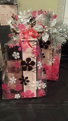 Gifts for everyone! FREE wrapping and delivery!! Contact me today www.marykay.com/sbecvar 618-972-3449