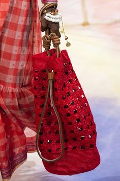 Ulla Johnson at New York Fashion Week Spring 2020 - Details Runway Photos ]Source by annewold Crochet Tote, Crochet Handbags, Knit Fashion, Fashion Bags, Leather Embroidery, Knit Art, Bag Patterns To Sew, Tote Pattern, Sewing Patterns