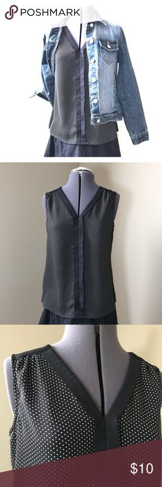 """BR Black & White Polka Dot Sleeveless Blouse Banana Republic Petites Black & White Polka Dot Sleeveless Blouse. Size 6P measures: 19"""" across chest, 24"""" long. 100% poly with a silky feel. MC/21617 Banana Republic Tops Blouses"""