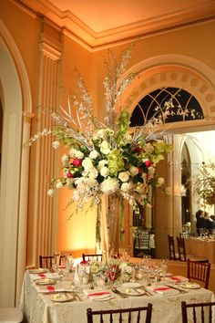 Traditionally Elegant Large Centerpiece ~ Photography by cinematicbydavidm.com, Floral Design by romanceofflowers.com