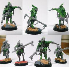 Kroot Shaper and Hunter Pack (Conversion) by RojiL on DeviantArt Tau Warhammer, Warhammer Armies, 40k Armies, Warhammer Paint, Warhammer Models, Tau Army, Diorama, Paint Games, Tau Empire