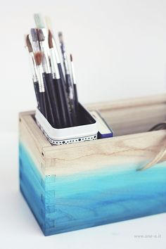 DIY ombre watercolored box wooow love this! So beautiful Do It Yourself Inspiration, Diy Inspiration, Diy Projects To Try, Craft Projects, Project Ideas, Cute Crafts, Diy And Crafts, I Spy Diy, Diy Ombre
