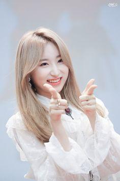 画像 Kpop Girl Groups, Korean Girl Groups, Kpop Girls, Yuri, Honda, Gfriend Sowon, Best Kpop, Japanese Girl Group, Kim Min