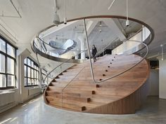 Wieden+Kennedy offices by Work Architecture Company- Fashionable Staircase-Office Design Escalier Art, Escalier Design, Architecture Design, Architecture Company, Stairs Architecture, Design Architect, Portland Architecture, Chinese Architecture, Round Stairs