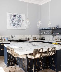 "149 mentions J'aime, 3 commentaires - Celine, Lyon (@1etoilea5branches) sur Instagram : ""Craquage inspiration du jour from @laurabutlermadden via @lonnymag #inspiration #kitchen #interior…"""
