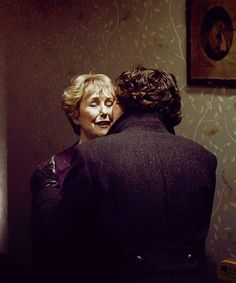 Benedict Cumberbatch has known Una Stubbs (Mrs. Hudson) his entire life because she is a close friend of his mother. So the affection Sherlock shows Mrs. H is completely real and completely Benedict's doing (Moffat didn't write it in initially). Sherlock Holmes, Sherlock Show, Sherlock Fandom, John Watson, Johnlock, Martin Freeman, Una Stubbs, Detective, Mrs Hudson