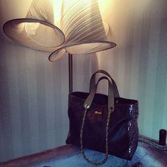 #doca #fashion #lifo #now #bag #metallic #detail #chain #shoulderstrap #fw1314 #sale #greece www.doca.gr