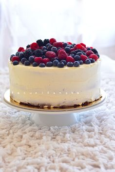 berry cake - http://www.katucikonyha.hu/2014/08/gasztropalyafutasom-legnagyobb-kihivasa.html