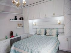 Handy as well as stylish bedroom design. From Sibel. – Home Decor Bedroom Built Ins, Small Room Bedroom, Bedroom Storage, Bed Room, Small Rooms, Bedroom Cabinets, Bedroom Furniture, Bedroom Decor, Bedroom Designs