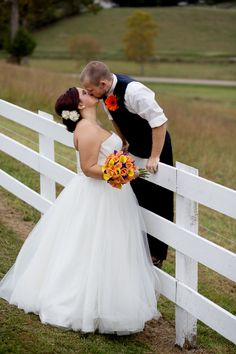Country wedding pic! ADORABLE