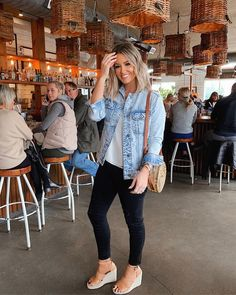 How to Wear a Denim Jacket: 33 Jean Jacket Outfit Ideas 3 Fall Transition Outfits, Fall Winter Outfits, Spring Outfits, Spring Summer Fashion, Autumn Fashion, Look Fashion, Fashion Outfits, Fashion Ideas, Casual Outfits