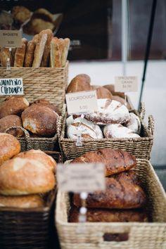 fresh bread / at the minneapolis farmers market / mill city farmers market /ashley sullivan photographer