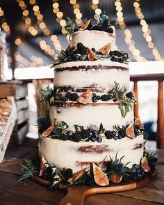 "442 Likes, 9 Comments - Rock My Wedding (@rockmywedding) on Instagram: ""It's that time Cake by @the_little_pickle // Image by @samueldockerphotography #seminakedcake…"""