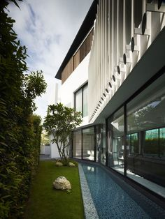 Cove Grove Sentosa by Aamer Architects | HomeDSGN, a daily source for inspiration and fresh ideas on interior design and home decoration.