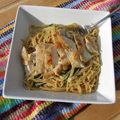Rumbly in my Tumbly: Skinny Creamy Garlic Pasta with Spinach & Chicken