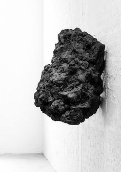 Picture from the Anish Kapoor Objects Exhibition catalogue… Contemporary Sculpture, Contemporary Art, Abstract Sculpture, Sculpture Art, Backgrounds Wallpapers, Bokashi, Anish Kapoor, Art Moderne, Art Object