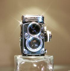 old cameras: #Rolleiflex