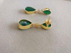 Gold Jewellery, Jewelery, Silver Jewelry, Gold Earrings Designs, Designer Earrings, Earring Set, Dangle Earrings, Emerald, Jewelry Design