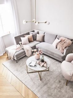 How To Decorate A Grey and Blush Pink Living Room Learn how to combine grey and pink for an amazing living room your guests will fall in love with! Get free tips and ideas for great home decor! - Grey and Blush Pink Living Room Blush Pink Living Room, Living Room Grey, Interior Design Living Room, Pink Room, Living Room Ideas Pink And Grey, Small Living Room Designs, Grey Carpet Living Room, Glamour Living Room, Pastel Living Room