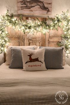 Look at this dreamy Christmas bed set up. Goals.