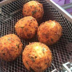 Specially riceballs SAVORY AND SWEET  #arancini #riceballs #traditional AND #nonTraditional #homemade #handmade #freshtoOrder #madeWithLove #queens #statenisland #foodie #foodporn #goodeats #nom #italianfood #delicious #truffles #leahsitalianapples #sicilian #deepfried #goldenbrown #notyourNonnas #reinventingRiceballs #supportLocalBusiness #followyourdream #cheesy #eeeeeats #catering #foodilysm #fuckthatsDelicious
