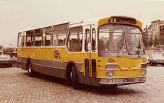 CN bus at Amsterdam busparking Prins Hendrikkade. Bus for touristservices. Nice Bus, Utrecht, Bus Coach, Busses, Amsterdam, Transportation, Trucks, Coaches, Classic