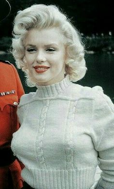 Hollywood Icons, Hollywood Glamour, Classic Hollywood, Old Hollywood, Estilo Marilyn Monroe, Marilyn Monroe Photos, Marylin Monroe Style, Robert Mapplethorpe, Annie Leibovitz