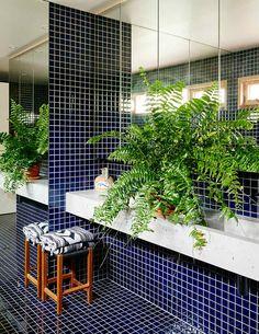 pool-themed bathroom