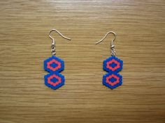 Pendientes hexagonos entrelazados hama beads by Ursula