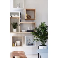 Muuto's STACKED shelves at @dots office in NYC - by @sheenamurph @sheepandstone captured by @nicole_franzen #playbeautifully #muuto #muutodesign #endlesspossibilities #muutoinusa #muutoaroundtheworld #stackedshelfsystem #stackedshelvingsystem #jdsarchitects #newperspective