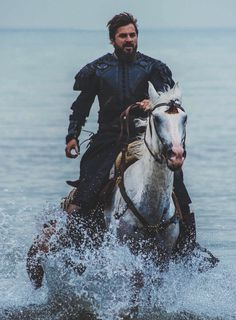 Turkish Men, Turkish Beauty, Turkish Fashion, Turkish Actors, Outlander, Famous Warriors, Joker Hd Wallpaper, Horse Girl Photography, Best Profile Pictures