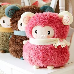 Super adorable ram plushies. <3