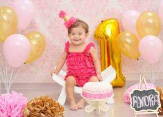 Smash the cake #babygirl #amora