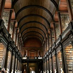 Trinity College Old Library & The Book of Kells Exhibition in Dublin Magical Library, Beautiful Library, Book Of Kells, Trinity College Dublin, Trinity Library, Old Libraries, Bookstores, Book Nooks, Reading Nooks