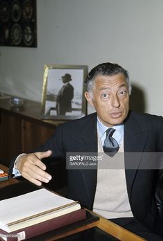 """Pictures of Giovanni """"Gianni"""" Agnelli King Of Italy, Gianni Agnelli, Fashion Hashtags, Name Pictures, Mens Suits, Style Icons, Gentleman, Dressing, Ralph Lauren"""