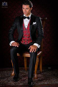 Italienisch schwarze Smoking Anzug mit Satin Revers und 1 Knopf. Reiner Wolle Stoffe. Tuxedo 1911 Kollektion Black Tie Ottavio Nuccio Gala.