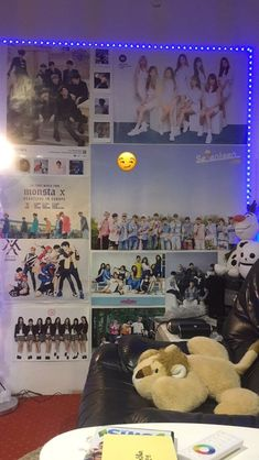 Teenage Room, Teenage Girl Bedrooms, Girls Bedroom, Army Room Decor, Room Decor Bedroom, Aesthetic Rooms, Kpop Aesthetic, Galaxy Room, Pop Design
