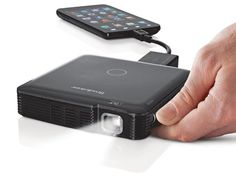 HDMI 1080 Mini Projector Great Gadget Gifts for Techies This Holiday Season San Francisco New Years Eve Parties, Tickets, Hotels and Cool Technology, Technology Gadgets, Teaching Technology, Futuristic Technology, 2015 Technology, Medical Technology, Energy Technology, Gadgets Électroniques, Travel Gadgets