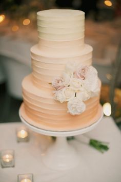 peach ombre wedding cake | sophie baker photography