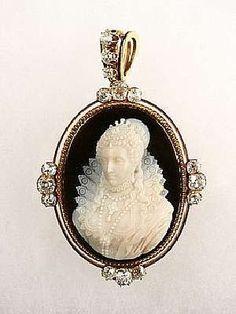 Princess Bride Cameo Locket Necklace Victorian Antique Silver Pendant Cream on Black