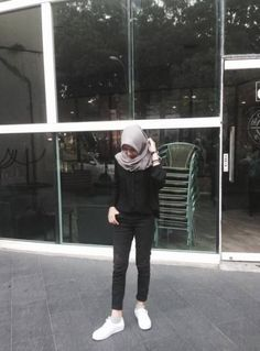 Best fashion hijab casual chic ideas fashion new fstylish and fashionable hijab fashion for teensolder 9 Casual Chic, Casual Hijab Outfit, Ootd Hijab, Hijab Fashion Casual, Street Hijab Fashion, Hijab Chic, Girl Hijab, Muslim Fashion, Casual Outfits