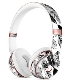 Vector Black and White Feathers Full-Body Skin Kit for the Beats by Dre Solo 3 Wireless Headphones