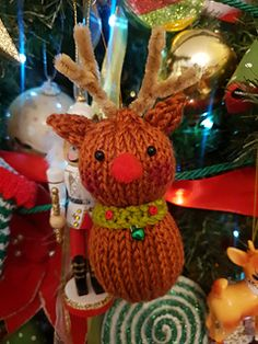 For those of you collecting my Free 5 part knitting pattern series of ornaments, I just uploaded part 4 for you. Knit Christmas Ornaments, Reindeer Ornaments, Christmas Ideas, Christmas Decorations, Christmas Knitting Patterns, Knitting Patterns Free, Free Knitting, Knit Patterns, Free Pattern