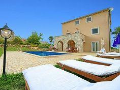Villa Motovun med 6 Soverom plass for 14 Personer Feriehus i Motovun fra @homeaway! #vacation #rental #travel #homeaway