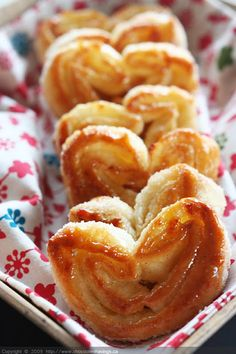 Apple and Cinnamon Palmiers: 5 ingredients...that's all!