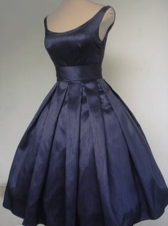 Real Image Navy Ball Gown Taffeta Knee-Length Cocktail Dress Fashion Sexy Tank Simple Homecoming Party Dress Vestidos Plus Size 50s Dresses, Pretty Dresses, Vintage Dresses, Vintage Outfits, Fashion Dresses, Rockabilly Dresses, Maxi Dresses, Dresses Online, 1950s Fashion