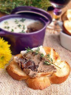 Az otthon ízei: Kakukkfüves, fehérboros, aszalt szilvás csirkemájpástétom