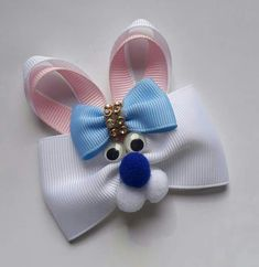 Don't like the blue but it is adorable! Ribbon Hair Bows, Diy Hair Bows, Diy Bow, Ribbon Art, Ribbon Crafts, Diy Hair Accessories Ribbon, Holiday Hair Bows, Barrettes, Ribbon Sculpture